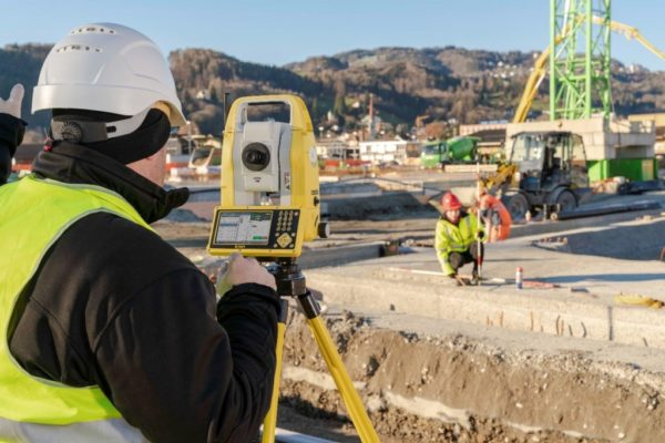 New-iCON-manual-total-stations-1024x683